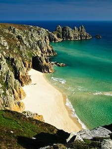 Affordable room in Porthcurno - Porthcurno