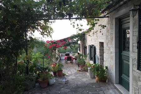 The Olive Grove Villa Mevis - Appartement