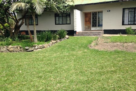 Smart 3BD House in Nkana East - Rumah