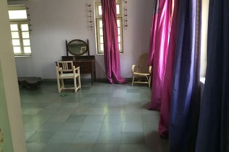 Private HUGE ROOM BALCONY - Pune
