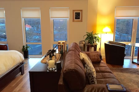 Luxury 900 sqft Studio 15 min NYC - Fort Lee - Apartment