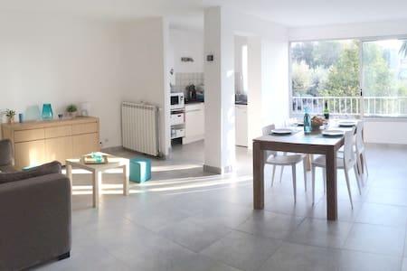 Appartement F3, 60 m2 au Cap d'Adge - Byt