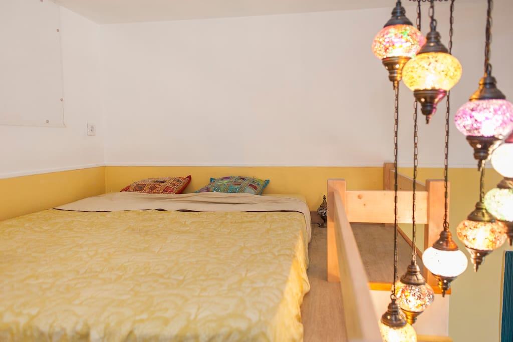 Loft room in Nice house: Deal!