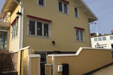 Bra lägenhet mitt i Grebbestad - Grebbestad