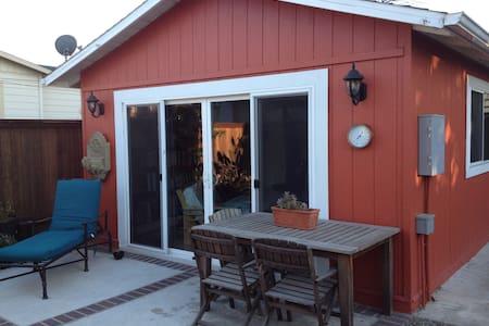 Detached Garden Cottage, w/ Bikes! - Berkeley - Hus