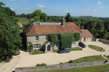 The Rose Room at Manor Farm B&B, AA 4* Gold - Collingbourne Kingston