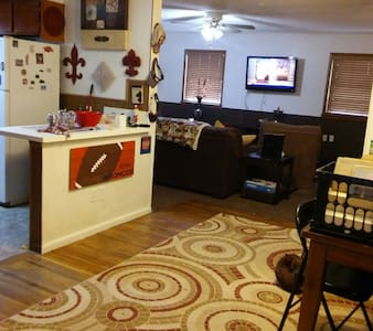 Your 3 bd home in Tulsa Welcome! - Tulsa