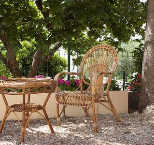 Casa vacanze a Montemaggiore - House