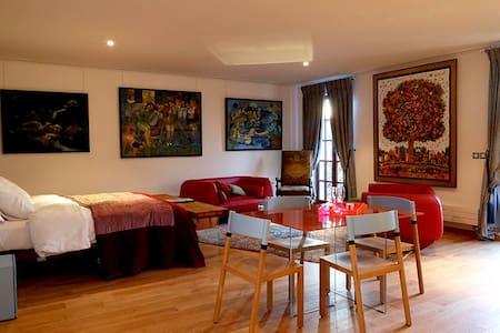 Suite Larrieu at Besharat Gallery - Appartement