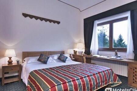 XMAS AND NY'S EVE @ Boutique Hotel Villa Blu **** - Cortina d'Ampezzo - Apartamento