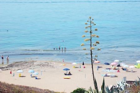 Villa NEAR THE SEA a 70m.dal mare   - Porto Alabe