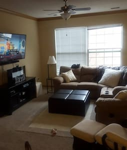 2 Bedroom Townhome in Woodbury, MN! - Woodbury - Sorház