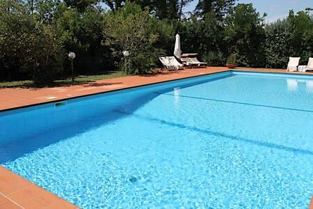 Villa Vanna con Piscina a Marina di Pietrasanta - Pietrasanta