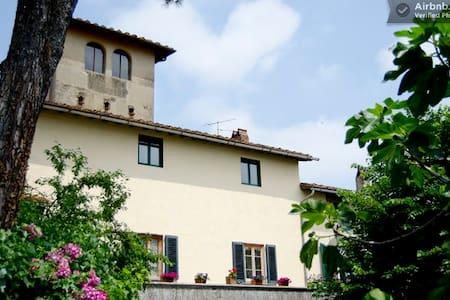 """B&B in historical Tuscan villa """"A"""""""