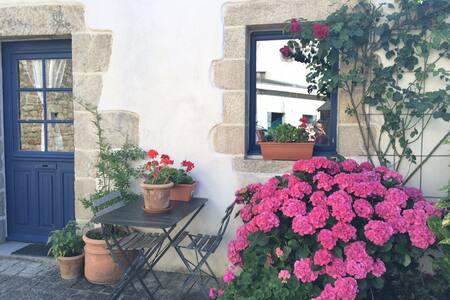 Charmante maison de village typique - Haus