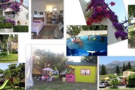 VillaDube - Family Garden Bungalow