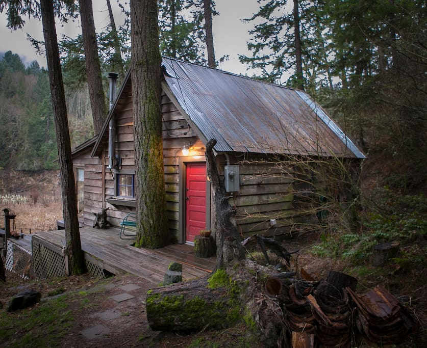 Cabin In The Woods : Charming river cabin in the woods cabins for rent