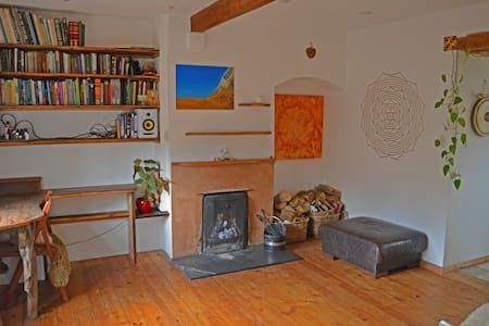 Super Cosy Nature Haven - Forest Row - Bed & Breakfast