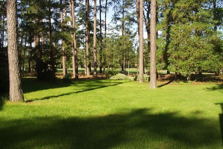LOVELY 2BR PINEHURST CONDO w/ GOLF COURSE VIEW! - Pinehurst - Apartamento
