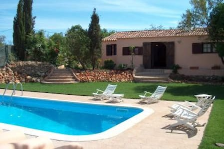 Romantic villa with mature garden - Albufeira - Casa