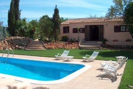 Romantic villa with mature garden - Albufeira - Hus