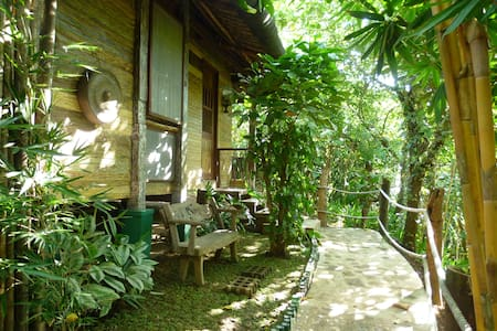 Bamboo Casita (Tagaytay - Silang) - Silang - Bed & Breakfast