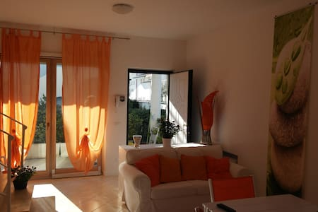 Cozy villa 100 metres from the sandy beach 9sleeps - Fregene - Villa