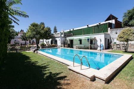 Detached house with garden  - Gines - Casa