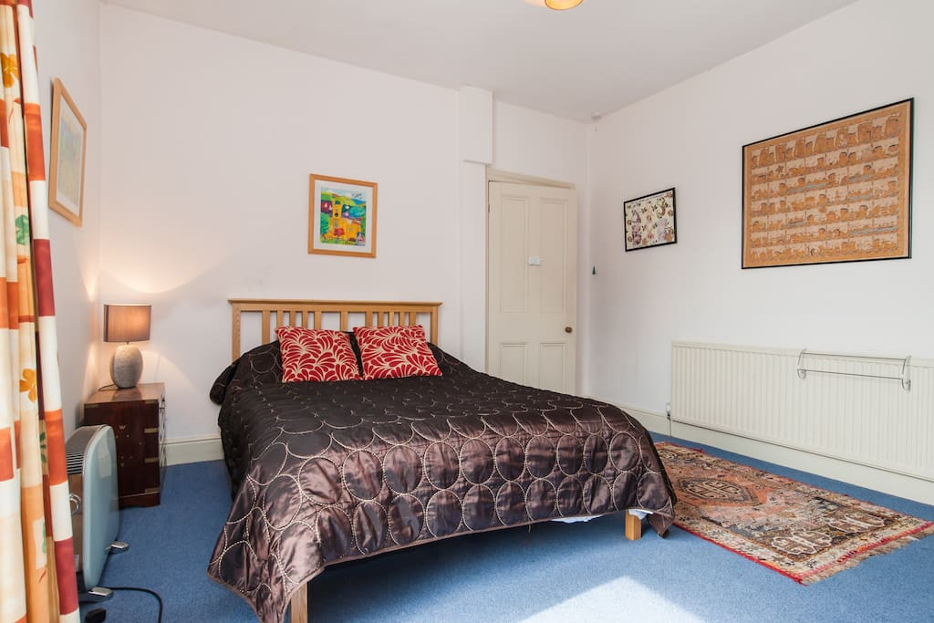 Double Bedroom in townhouse