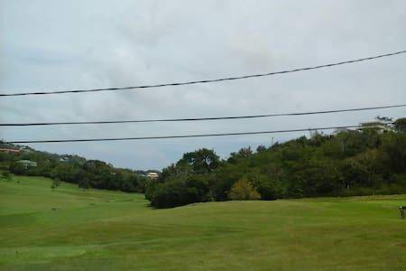 Golfcourse place - Pis