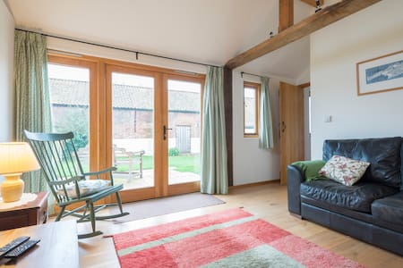 Modern eco-cottage near Aylsham (Barn Owl) - Aylsham