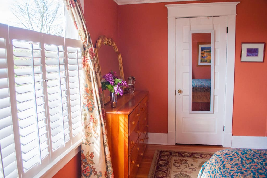 Wonderful private room in Tacoma!