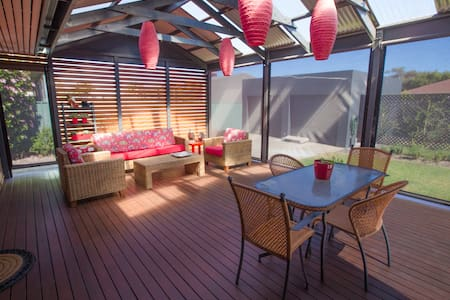 Beachside Sunny Home - Good Vibes - Somerton Park