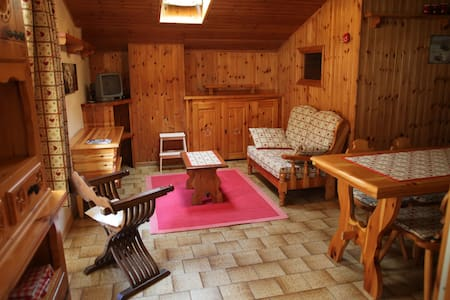 Grazioso appartamento mansardato - Fontainemore - Appartement