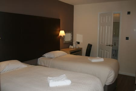 Gatwick Belmont Twin Room - Other