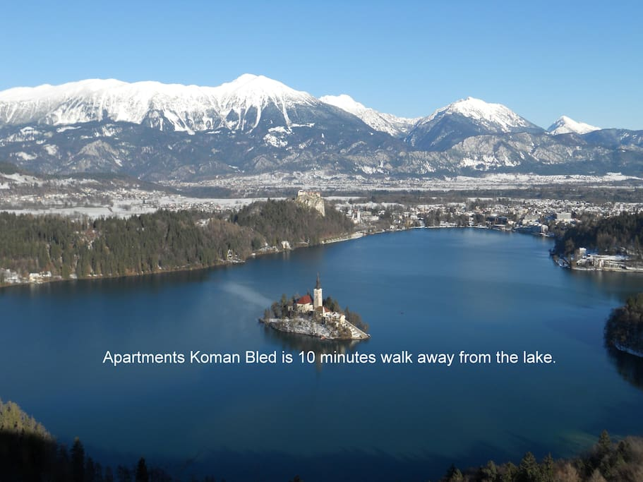 Apartments Koman Bled are located 10 minutes walk from the lake.