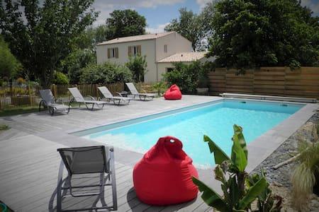 """Gîte """"l'Escapade"""" prox. La Rochelle - Maison"""