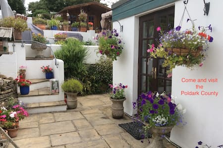 Portimao Bed and Breakfast - Carnon Downs
