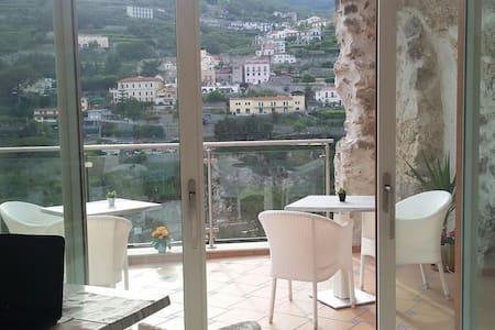 Le Perle d'Italia - Porto Fino - Ravello