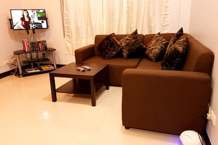 Simple yet attractive furnished condo in Cubao - Apartament