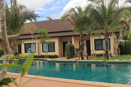 Oscar Pool Villa (Two - Bedrooms with Pool View ) - Tambon Ao Nang