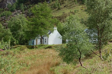 Garbhein Cottage, a highland retreat near Glencoe - Kinlochleven