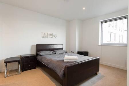 Beautiful 2 Bed Apt Warehouse Excel - Leilighet