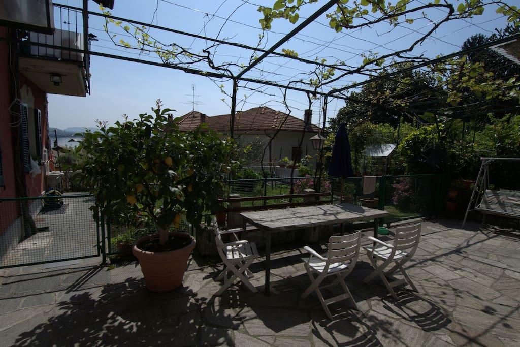 Giardino e cortile interno, in comune.