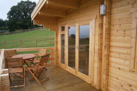 Lavender log cabin - Westbury - Cabaña
