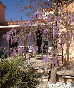 Maison entre Aix et Ste Victoire - Villa