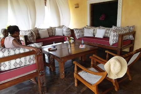 Beautiful sea front villa - Malindi