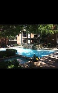 FURNISHED CONDO 1115 DALLAS TEXAS - Condominium