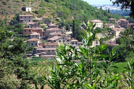 Campagne toscana près de Sienne