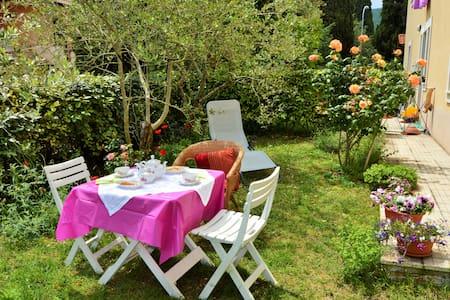 Casa con giardino in Val D'Orcia - House